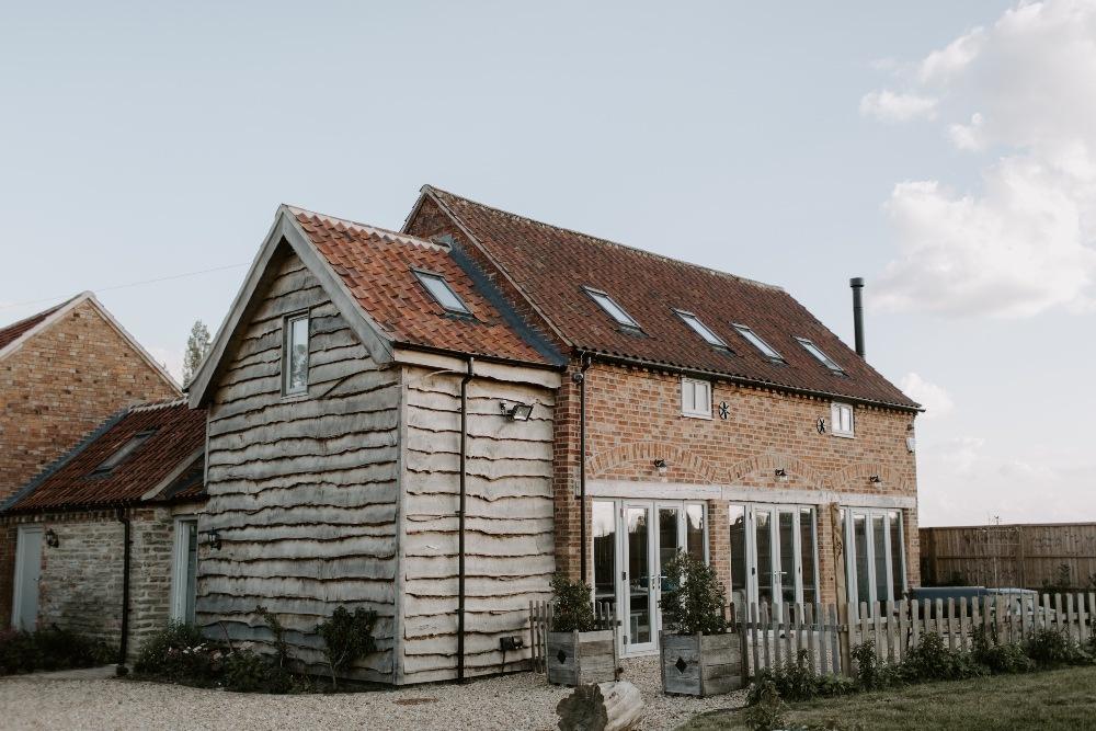 The-Dutch-Barn-Shoot-by-Grace-Mitch-Photo-Film-5