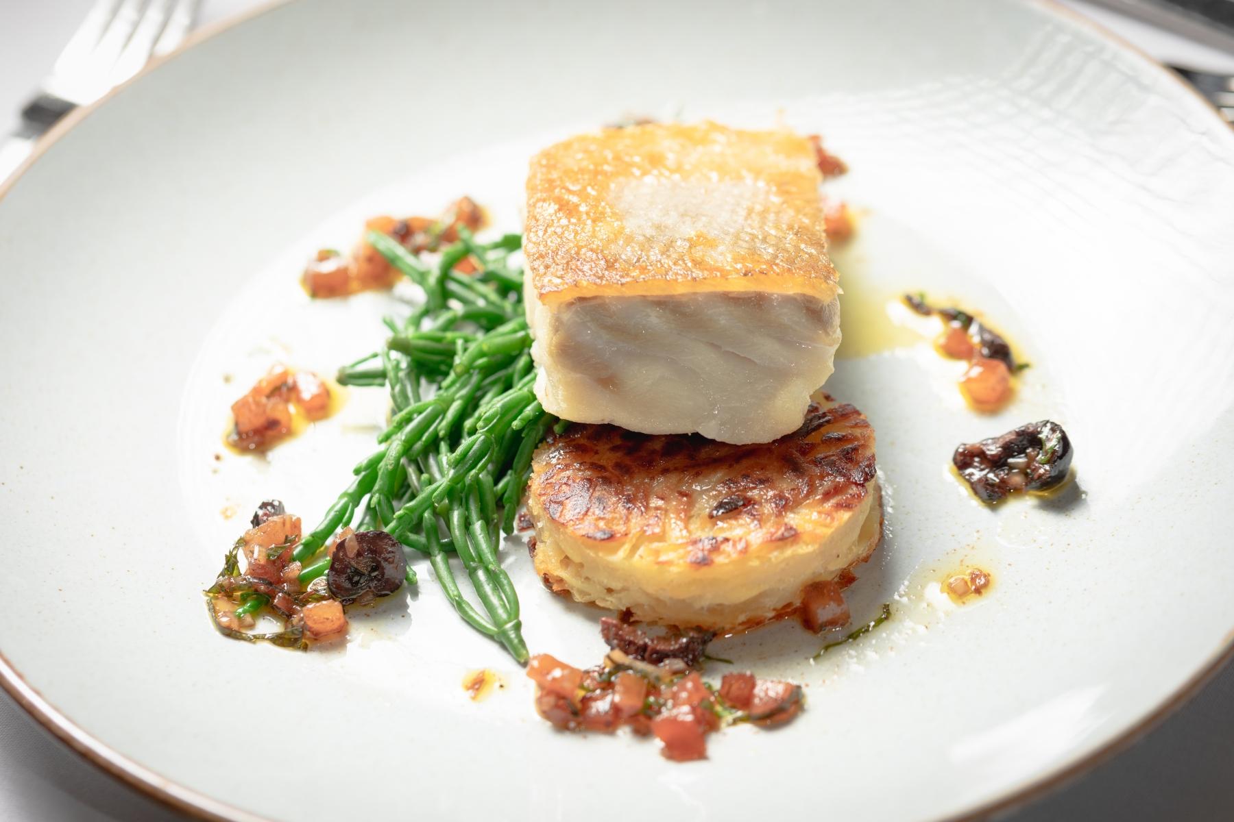 Doxford-Barns-Main-Pan-fried-Cod-potato-rosti-sauce-vierge-Stephen-Beecroft-Photography
